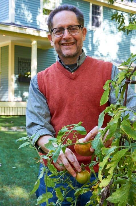 Ranan-Cohen-in-garden